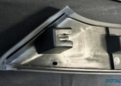 molde-prototipado-automocion-g30+santoprene-101-50-soportes-faros-2-4